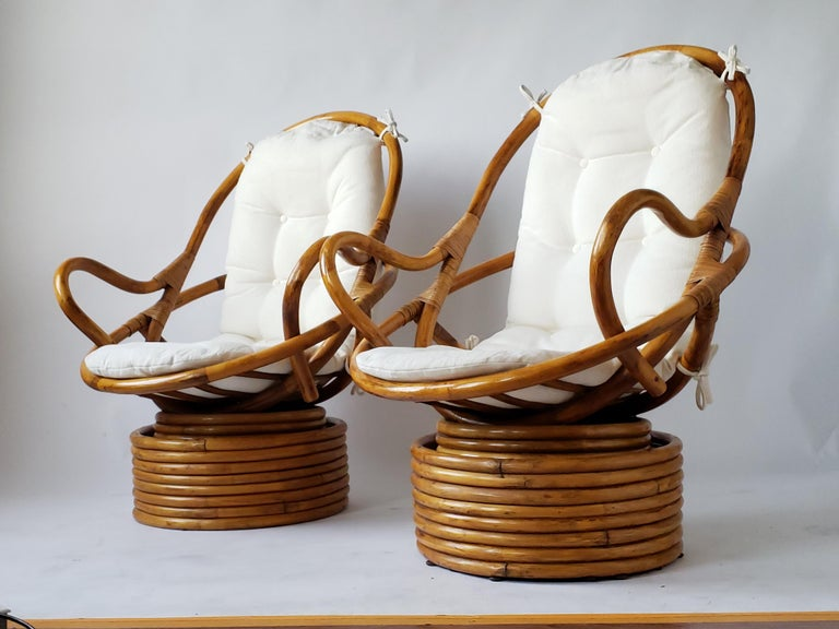 Mid-Century Modern 1980s Pair of Rattan Rocking and Swivel Lounge Chair , USA For Sale