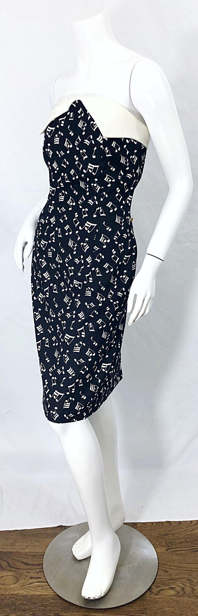 1980s Patrick Kelly Size 10 Novelty Music Print Black and White Strapless Dress For Sale 2