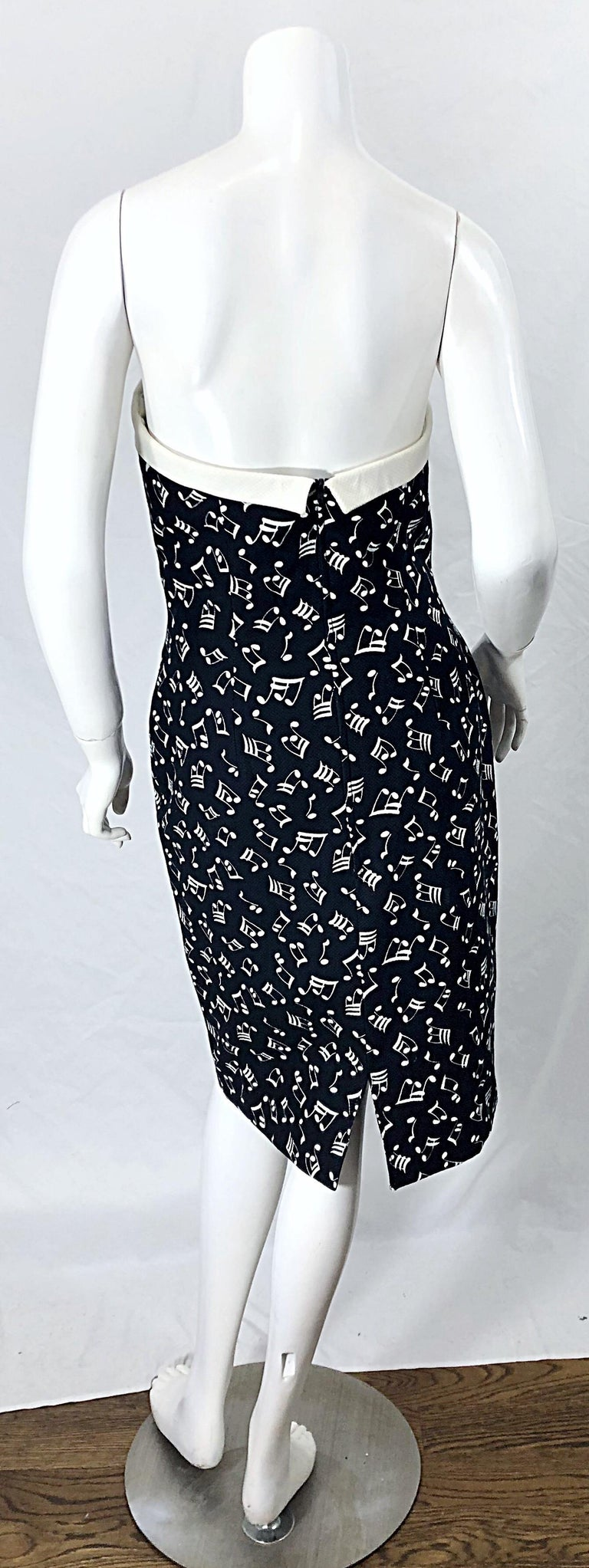 1980s Patrick Kelly Size 10 Novelty Music Print Black and White Strapless Dress For Sale 3