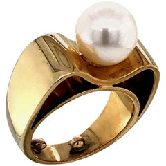 1980s Pearl and Gold Ring by Poiray Paris