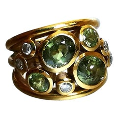 1980s Peridot Diamond on Yellow Gold 18 Karat Ring