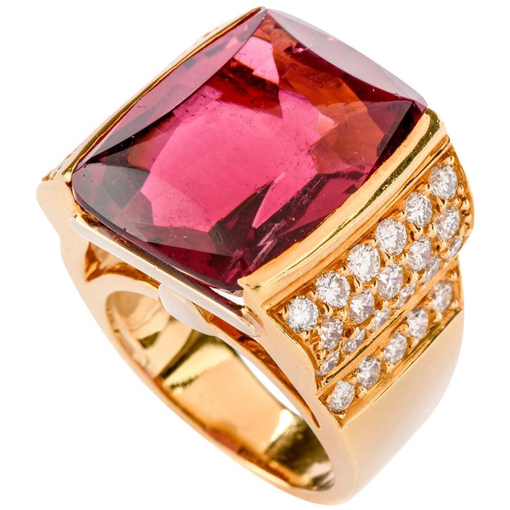 1980s Pink Tourmaline Diamond 18 Karat Gold Cocktail Ring