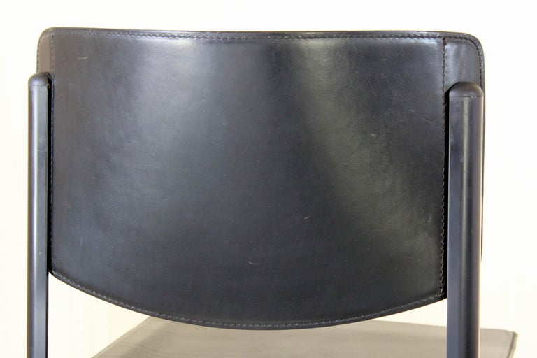 1980s Postmodern vintage Black leather Dining Chairs by Matteo Grassi  For Sale 3