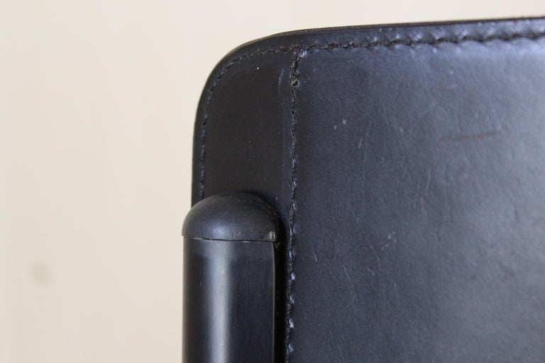 1980s Postmodern vintage Black leather Dining Chairs by Matteo Grassi  For Sale 5