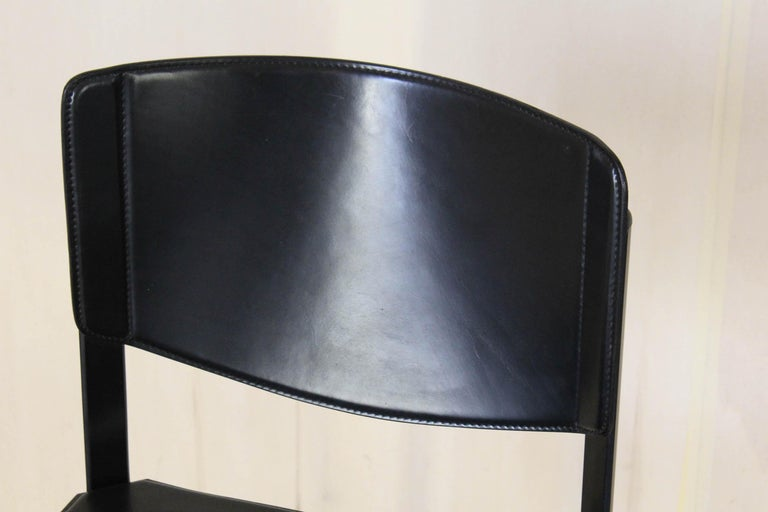 1980s Postmodern vintage Black leather Dining Chairs by Matteo Grassi  For Sale 12