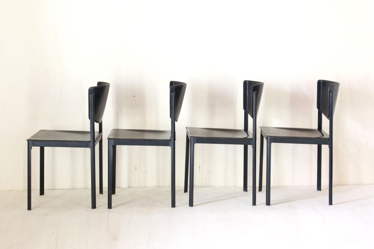 Post-Modern 1980s Postmodern vintage Black leather Dining Chairs by Matteo Grassi  For Sale