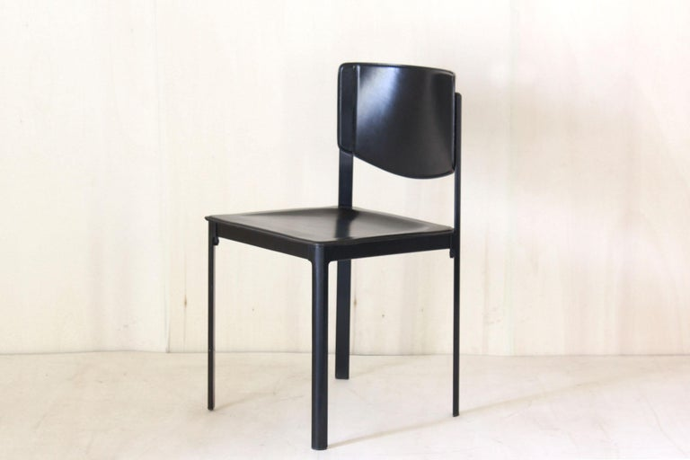 Late 20th Century 1980s Postmodern vintage Black leather Dining Chairs by Matteo Grassi  For Sale