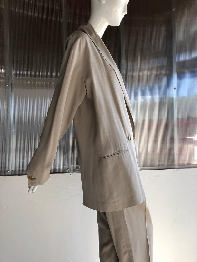 1980s Romeo Gigli Over-Sized-Fit Fluid and Lanky 2-Piece Menswear-Inspired Suit For Sale 2