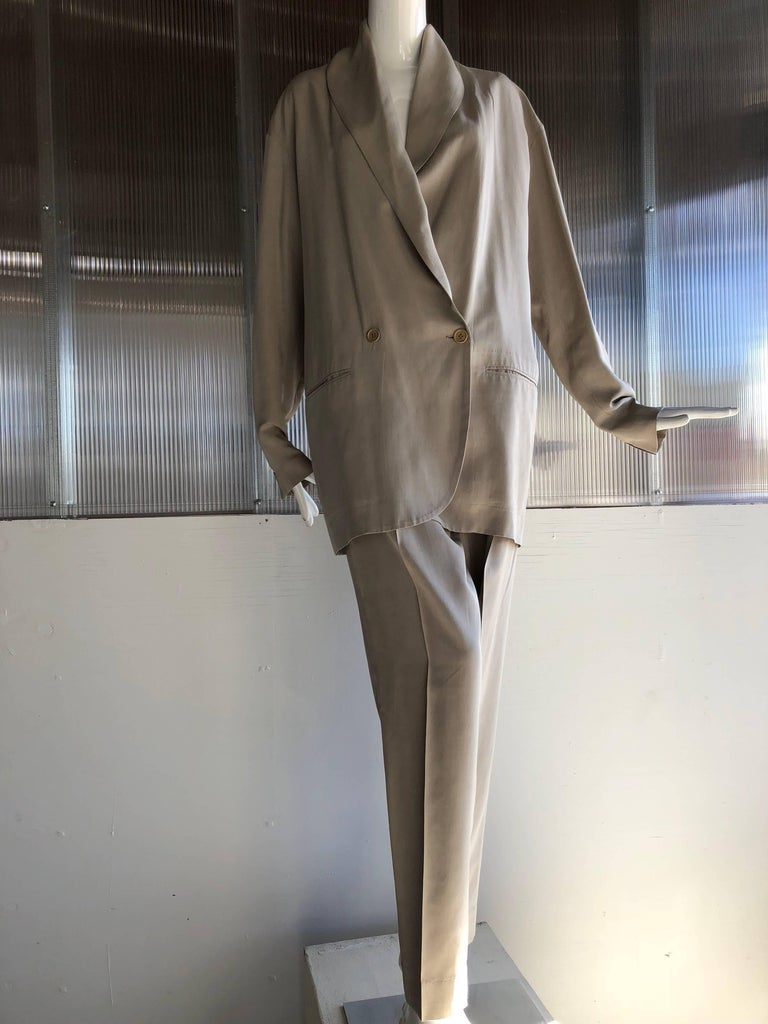 1980s Romeo Gigli Over-Sized-Fit Fluid and Lanky 2-Piece Menswear-Inspired Suit For Sale 3