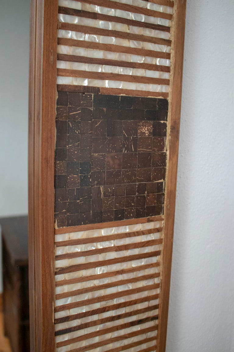 20th Century 1980s Spanish Mother of Pearl and Coco Fiber Inlaid Mirror For Sale