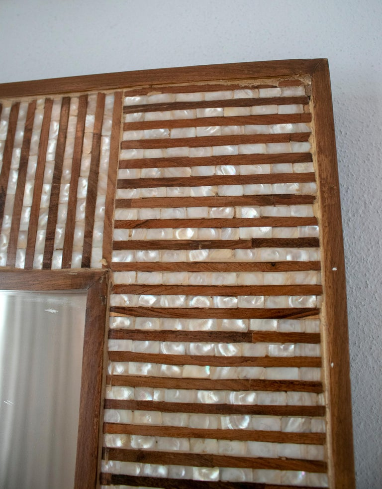 1980s Spanish Mother of Pearl and Coco Fiber Inlaid Mirror For Sale 2