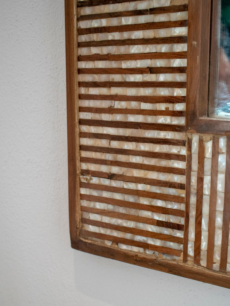 1980s Spanish Mother of Pearl and Coco Fiber Inlaid Mirror For Sale 4