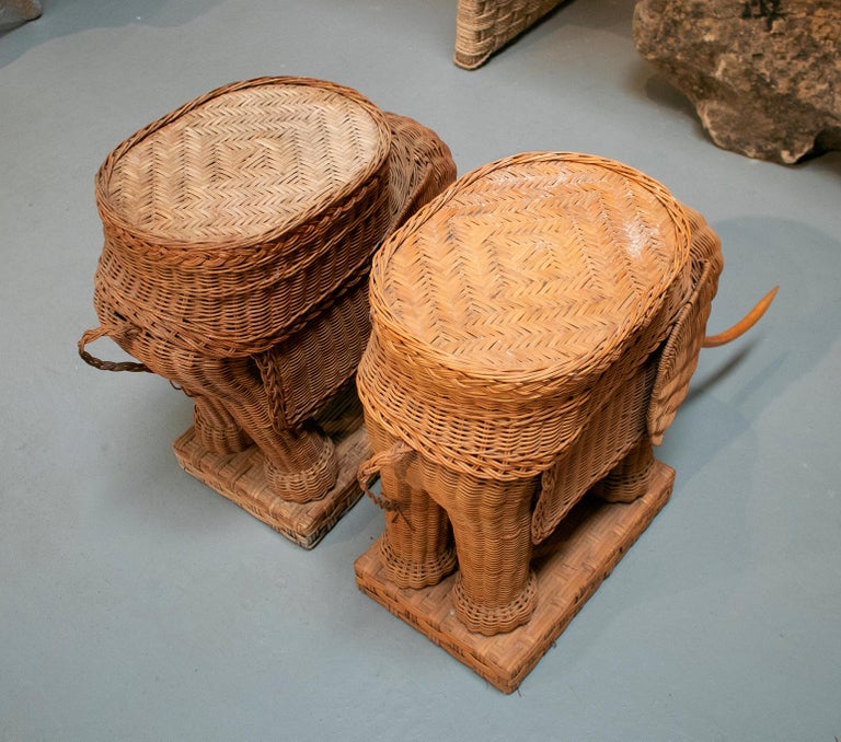 1980s Spanish Pair of Elephant Weaved Rattan Side Tables For Sale 2