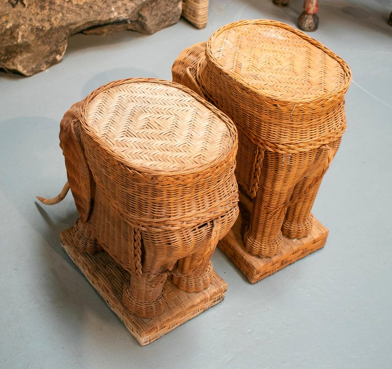 1980s Spanish Pair of Elephant Weaved Rattan Side Tables For Sale 3