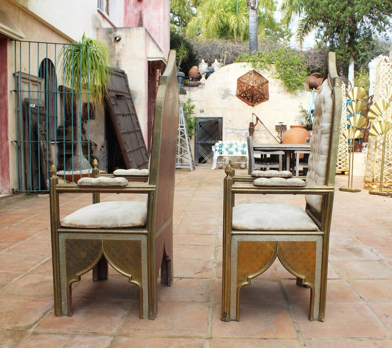 Bronze 1980s Spanish Pair of Two-Tone Brass Armchairs in Alfonso Dubarry's Style For Sale
