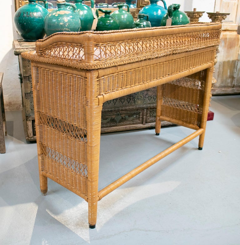 1980s Spanish Weaved Rattan Three-Drawer Office Desk For Sale 1