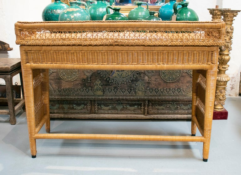 1980s Spanish Weaved Rattan Three-Drawer Office Desk For Sale 2