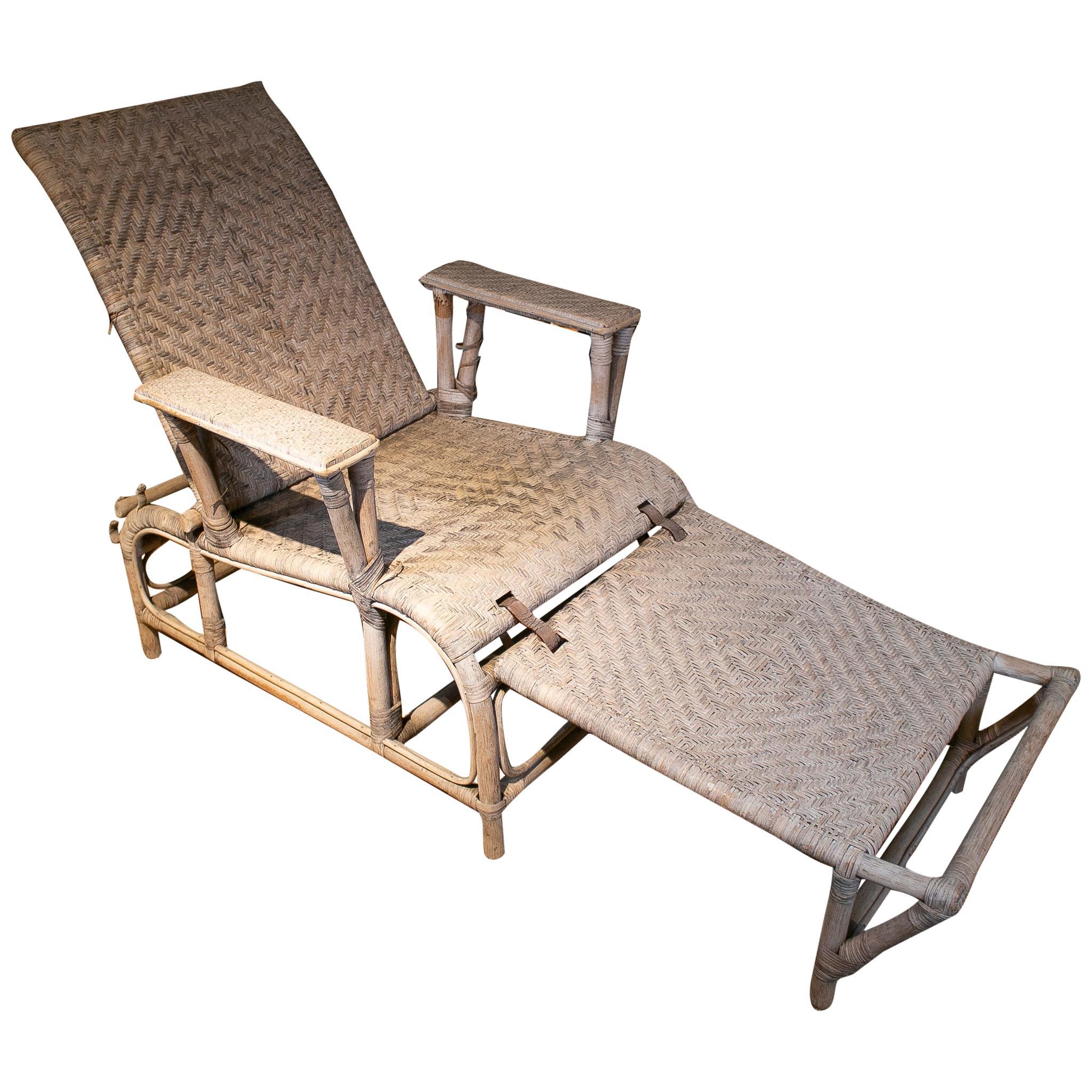 1980s Spanish White Bamboo & Wicker Folding Sunbathing Lounge Chair