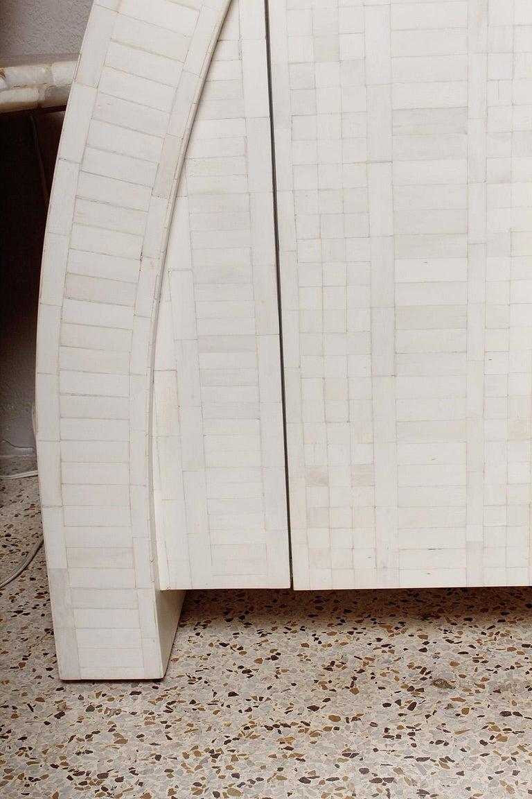 1980s Tessellated Bone Credenza by Enrique Garces, Colombia In Good Condition For Sale In North Miami, FL