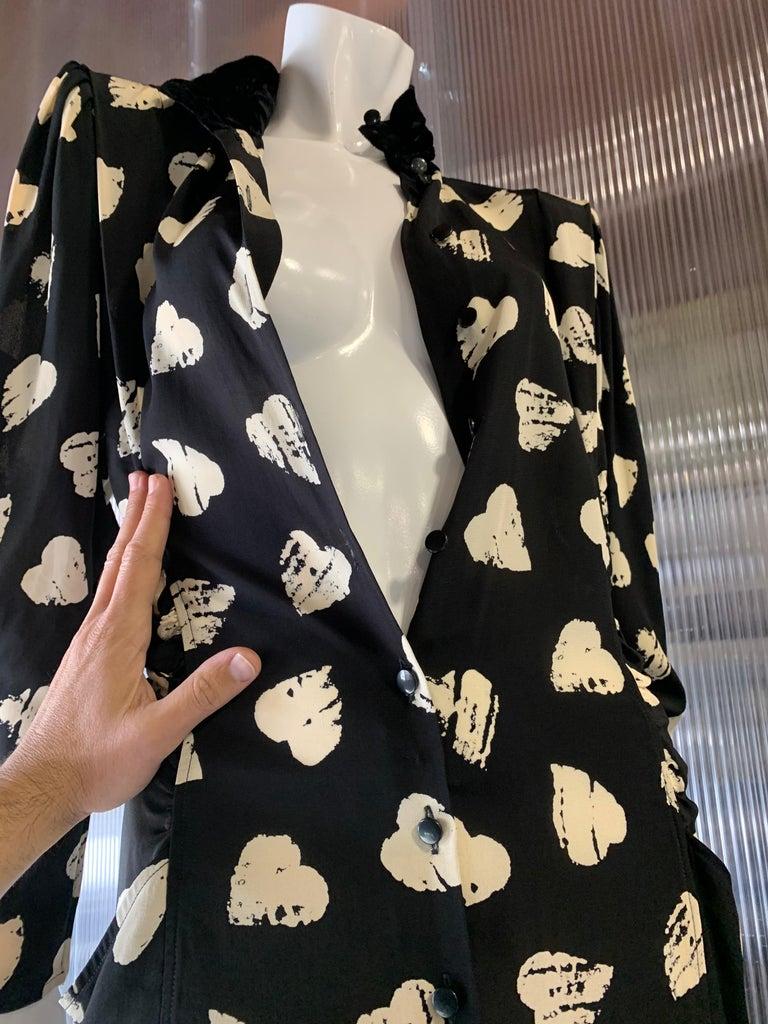 1980s Ungaro Black & Cream Rayon Drop Waist Dress W/ Velvet Collar & Heart Print For Sale 12