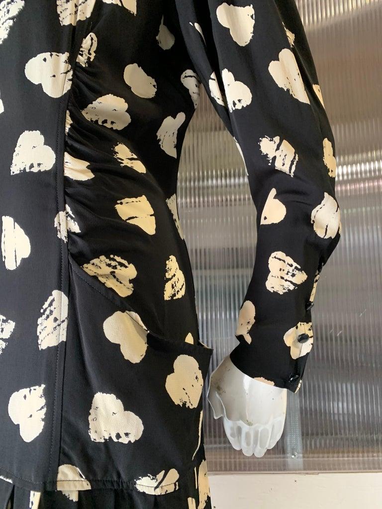 1980s Ungaro Black & Cream Rayon Drop Waist Dress W/ Velvet Collar & Heart Print For Sale 4