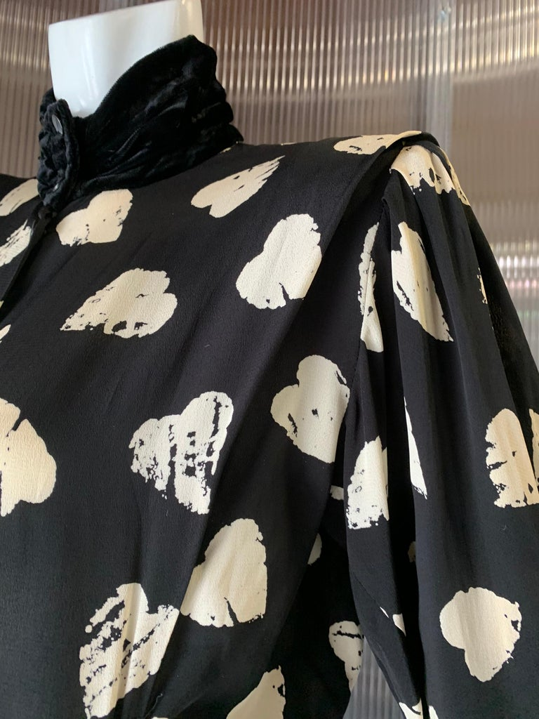 1980s Ungaro Black & Cream Rayon Drop Waist Dress W/ Velvet Collar & Heart Print For Sale 5