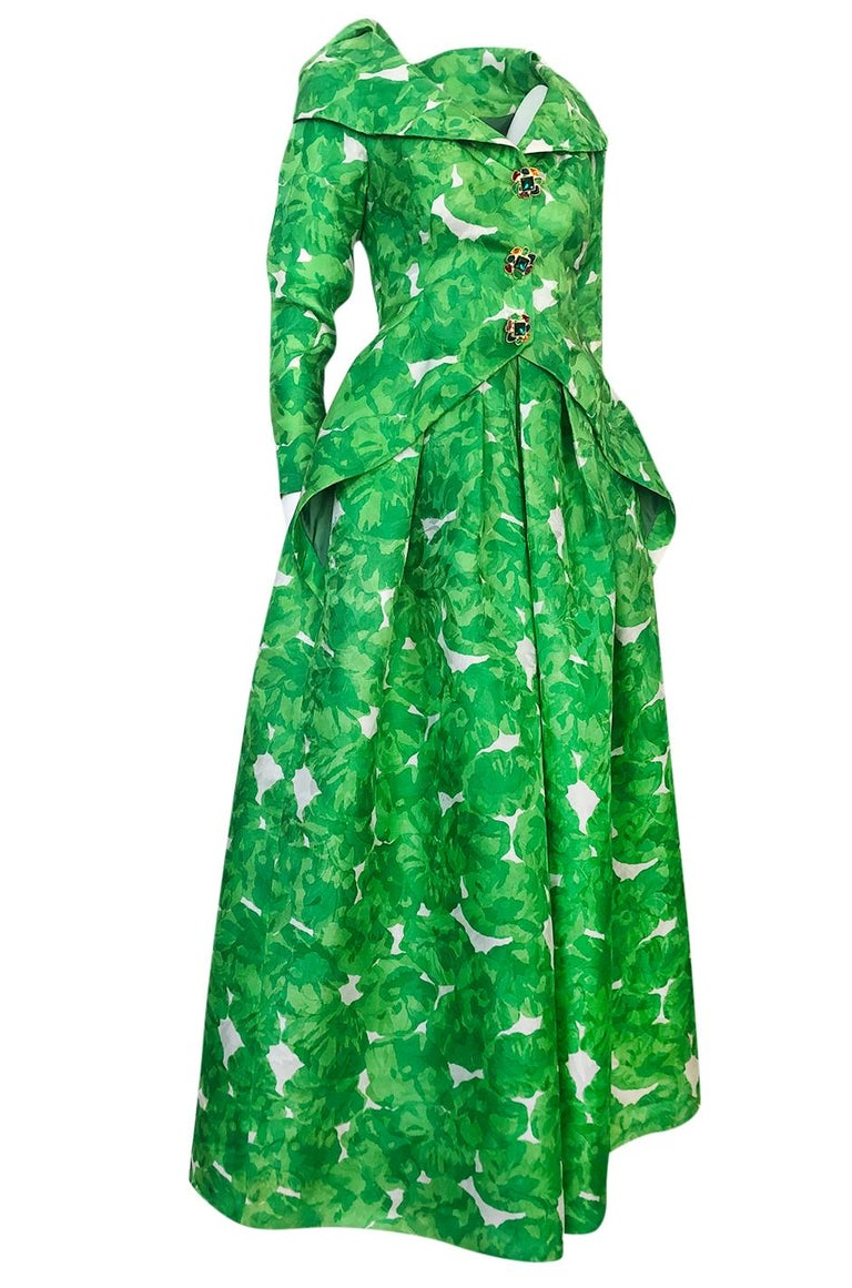 1980s Unlabeled Jean Louis Scherrer Printed Green Silk Gazar Dress In Good Condition For Sale In Rockwood, ON
