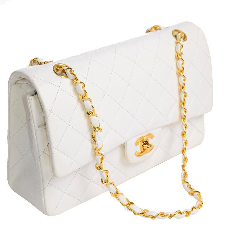1980s Unused Vintage but New Chanel White Quilted Flap Bag w/ Original Dust Bag In New Condition For Sale In Portland, OR