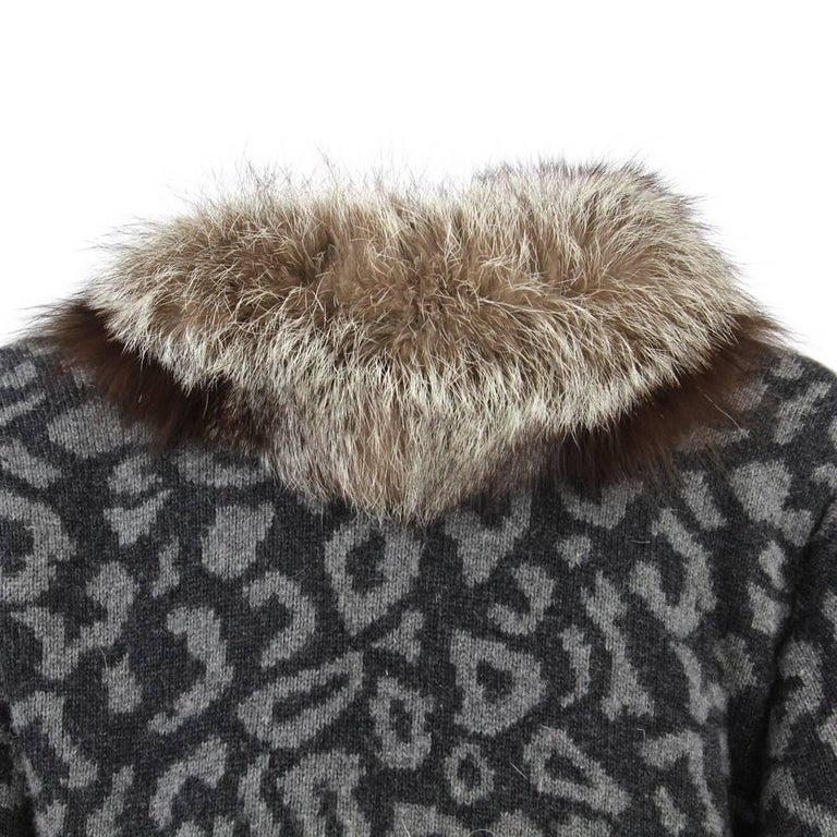 1980s Valentino Cashmere Jacket Hemmed with Fox Fur In Fair Condition For Sale In Lugo (RA), IT