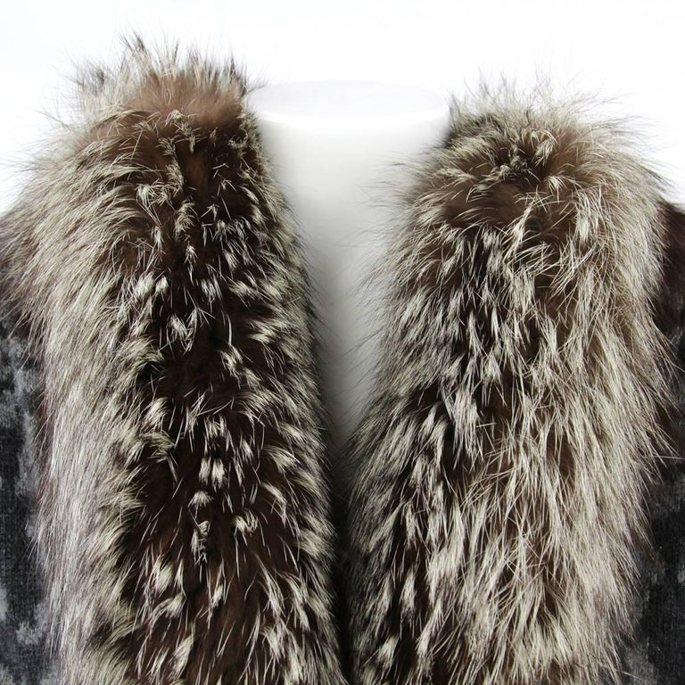 Women's 1980s Valentino Cashmere Jacket Hemmed with Fox Fur For Sale