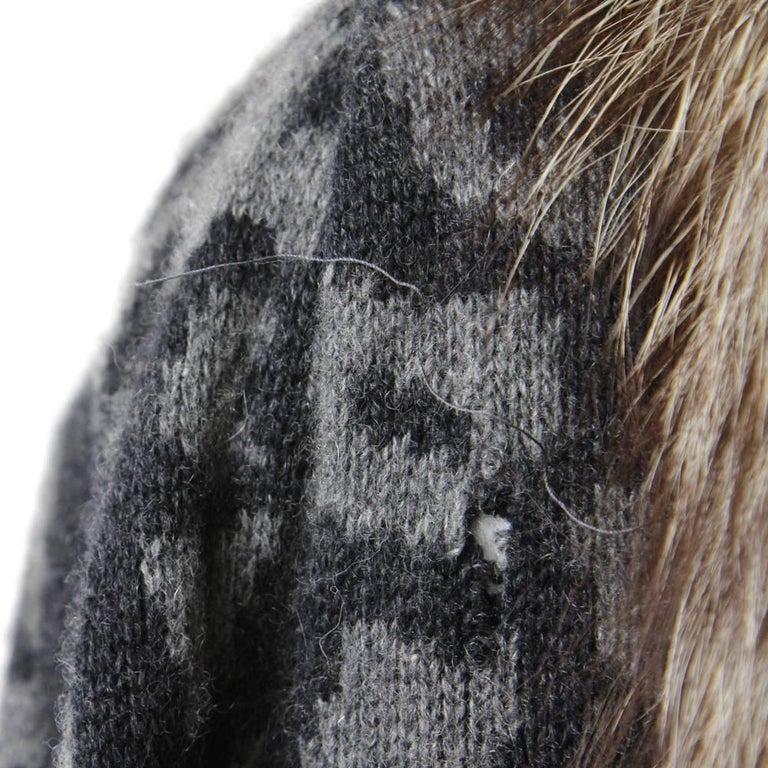1980s Valentino Cashmere Jacket Hemmed with Fox Fur For Sale 1
