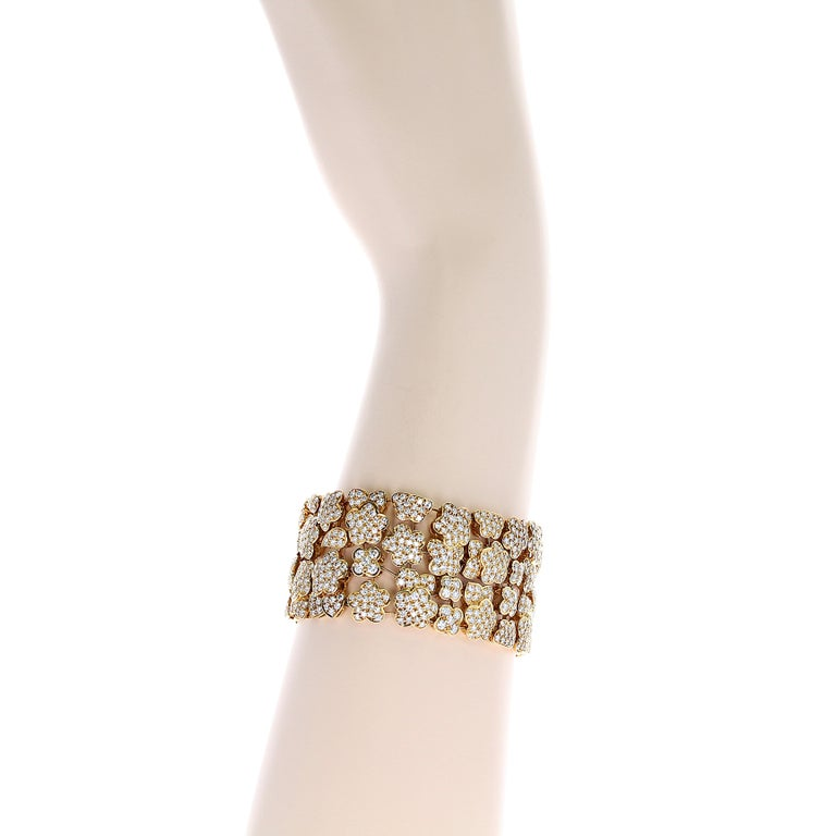 Women's 1980s Van Cleef and Arpels Diamond and Gold Bracelet For Sale