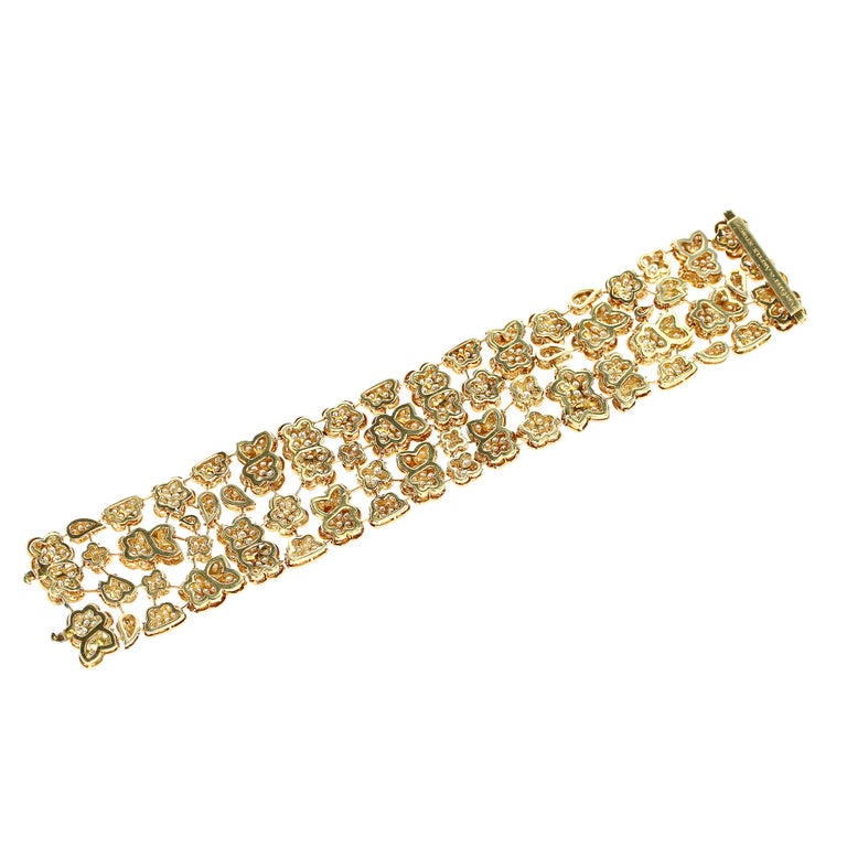 1980s Van Cleef and Arpels Diamond and Gold Bracelet For Sale 2