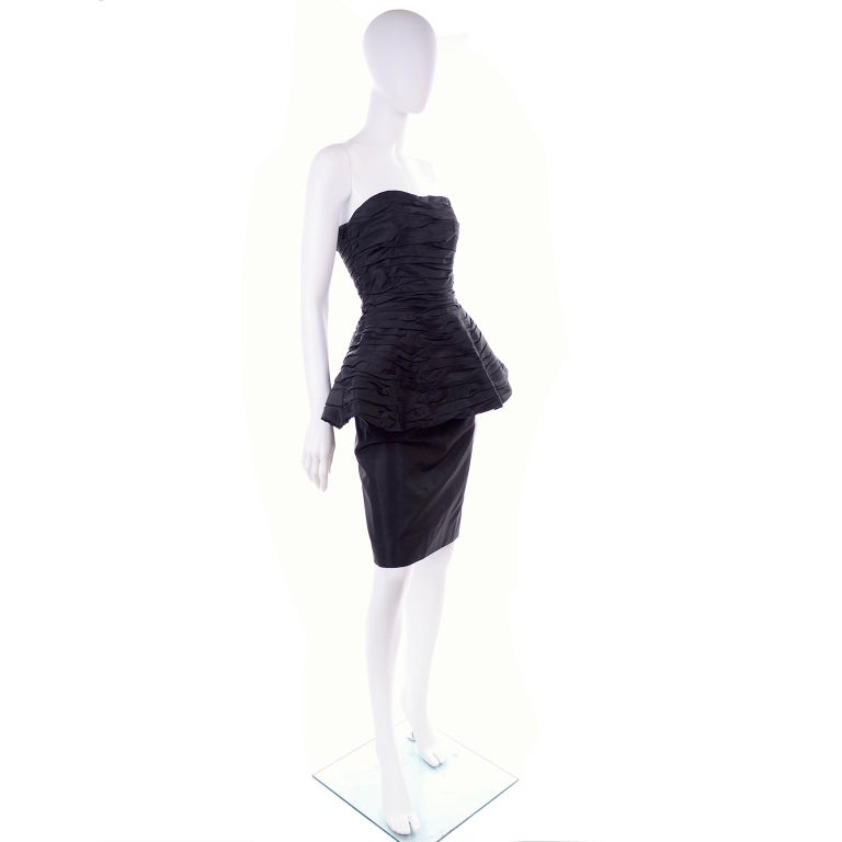 1980s Victor Costa Black Pleated Strapless Dress W Dramatic Peplum For Sale 5