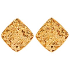 1980's Vintage Chanel Chanel Goldtone Earrings