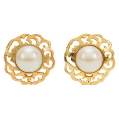 1980's Vintage Chanel Large Gold & Pearl Clip Earrings