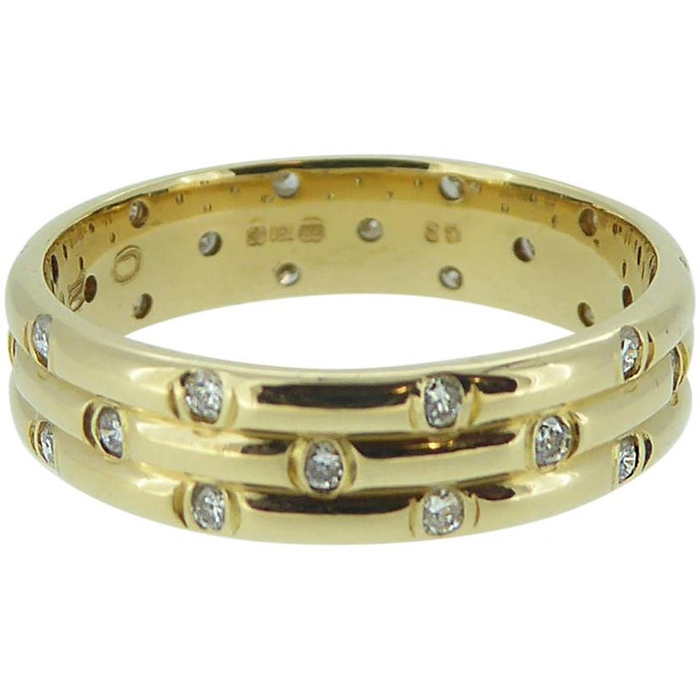 1980s Vintage Diamond Wedding or Eternity Ring, 18 Carat Gold For Sale