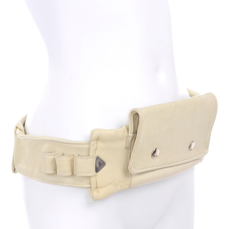 1980s Vintage Soft Cream Lambskin Leather Wallet Utility Belt  In Excellent Condition For Sale In Portland, OR