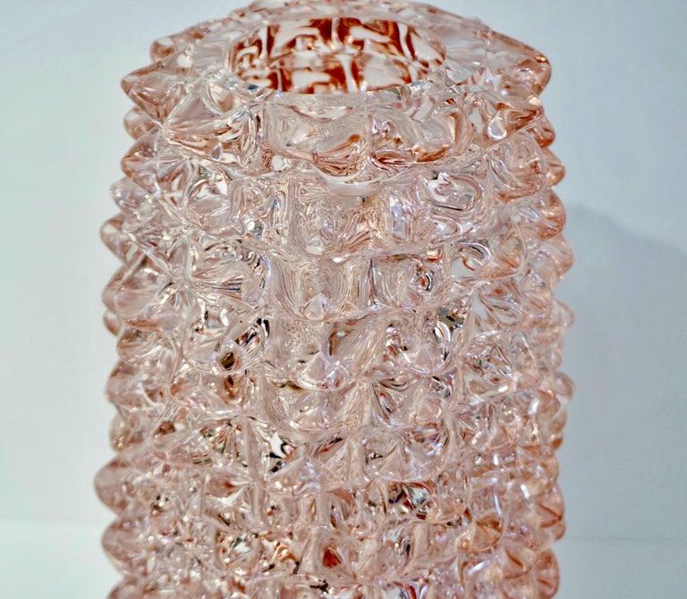 Post-Modern 1980s Vivarini Italian Large Vintage Pink Rostrato Spike Murano Glass Ovoid Vase For Sale