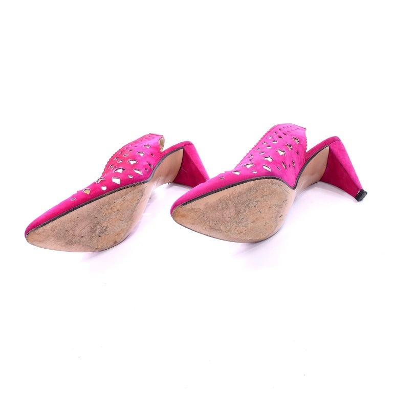 1980s Walter Steiger Slingback Pink Suede Shoes W/ Cut Out Stars & Shapes 7AA For Sale 3