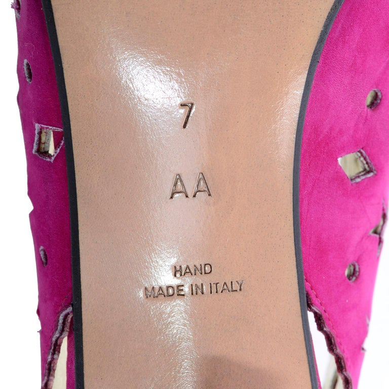 1980s Walter Steiger Slingback Pink Suede Shoes W/ Cut Out Stars & Shapes 7AA For Sale 4