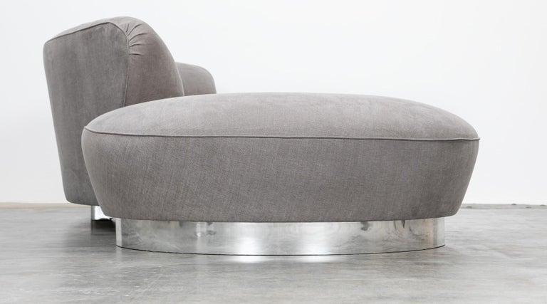 1980s Warm Grey, New Upholstery Sofa by Vladimir Kagan For Sale 2
