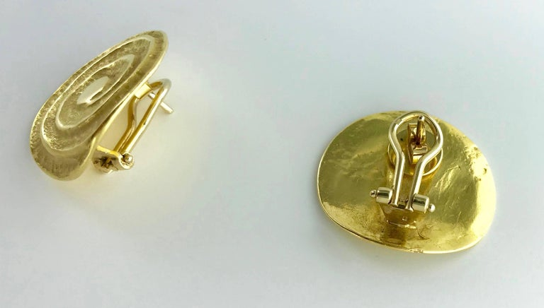 Etruscan Revival 1980s Yellow Gold Earrings For Sale