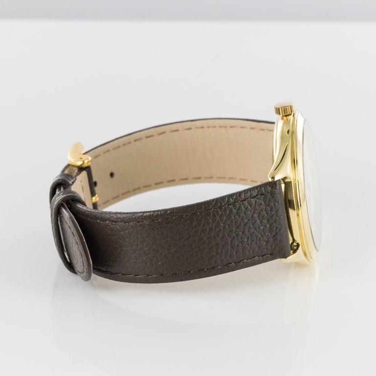 1980s Zenith Elite Automatic 18 Karat Yellow Gold Wristwatch For Sale 6