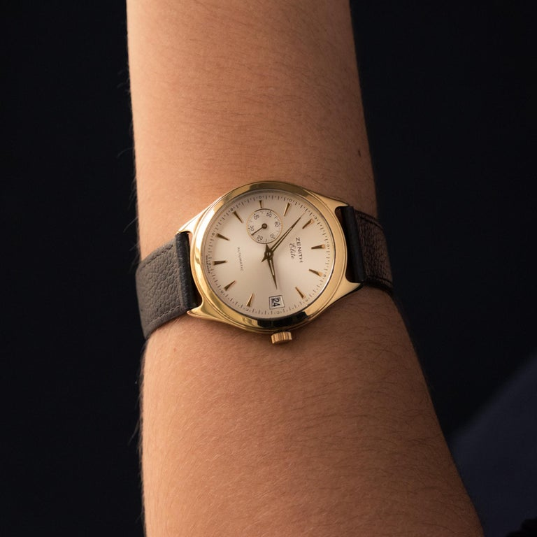 1980s Zenith Elite Automatic 18 Karat Yellow Gold Wristwatch In Excellent Condition For Sale In Poitiers, FR