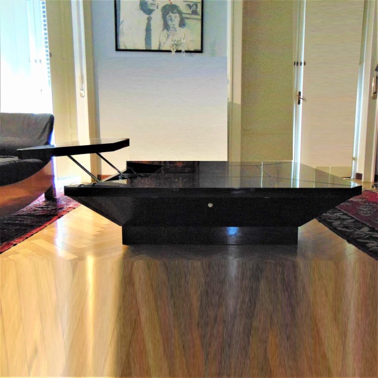 Italian 1981 Fabrizio Cocchia Black Glossy Lacquer Coffee Dining Table, Sormani, Italy For Sale