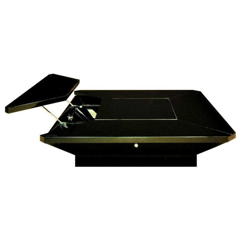 1981 Fabrizio Cocchia Black Glossy Lacquer Coffee Dining Table, Sormani, Italy For Sale