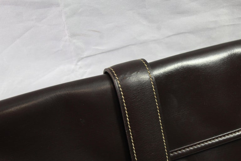 Black 1981 Vintage Hermes Jige GM Clutch in Brown Dark Box Leather For Sale