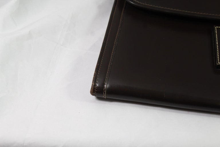 1981 Vintage Hermes Jige GM Clutch in Brown Dark Box Leather For Sale 2