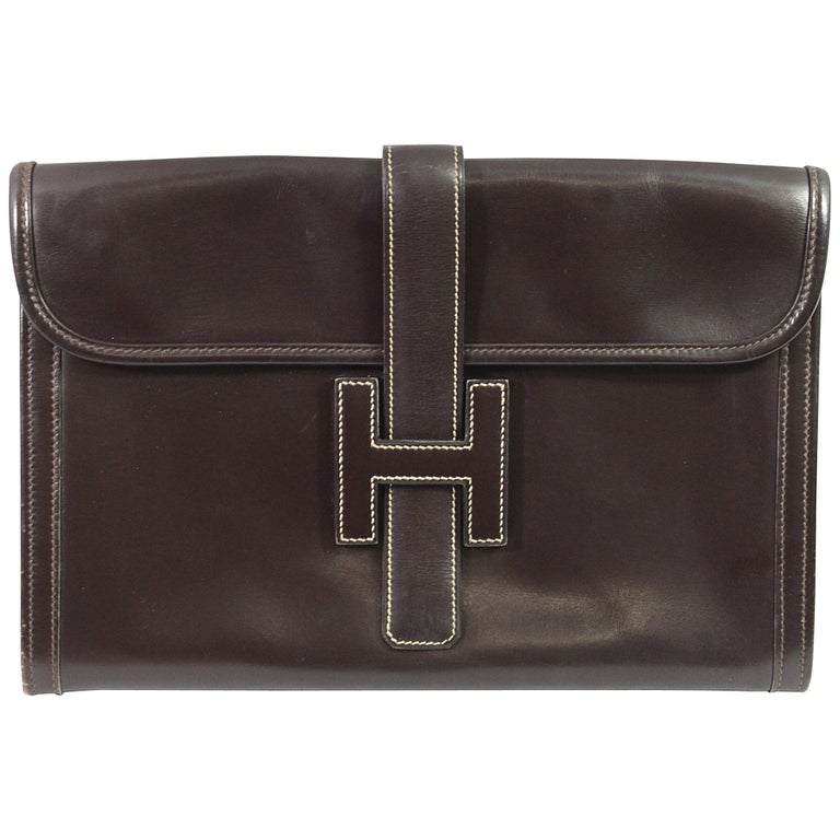 1981 Vintage Hermes Jige GM Clutch in Brown Dark Box Leather For Sale